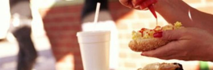 Правильное питание: чем опасен фаст-фуд