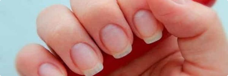 Укрепление ногтей с красным перцем