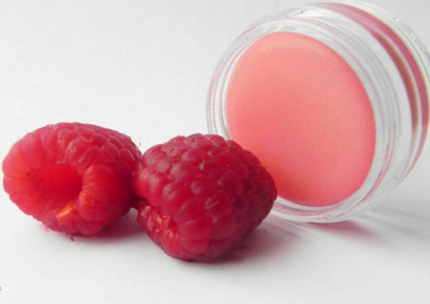 Цветная помада для губ своими силами