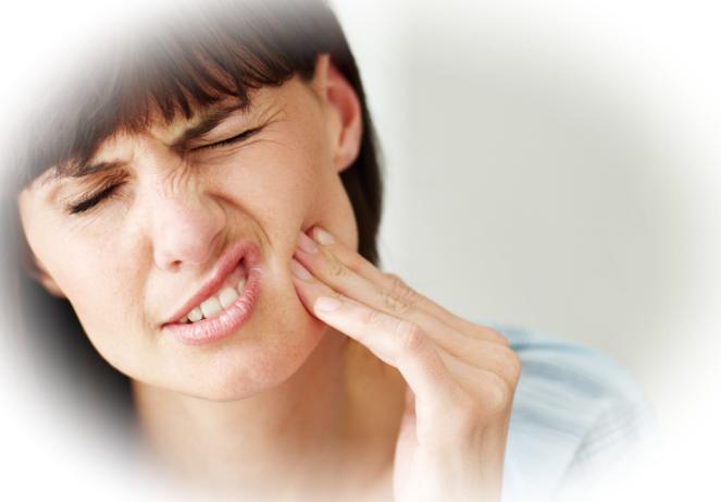 Как быстро на дому уменьшить зубную боль