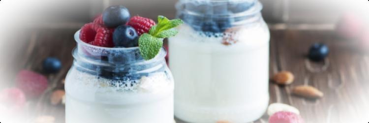 С чем есть домашний йогурт