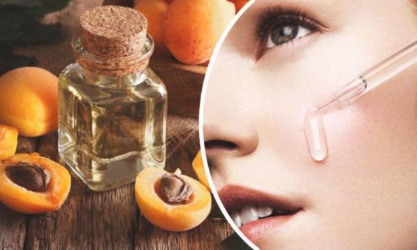 Уход за лицом с помощью абрикосового масла