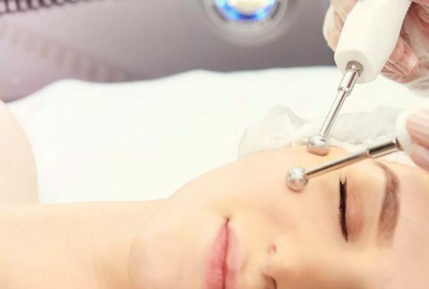 Аппаратная и инъекционная косметология: виды процедур и показания