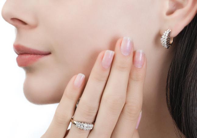 Женские золотые серьги с бриллиантами: топовые дизайны